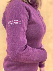 Ladies Patagonia Burgundy Fleece